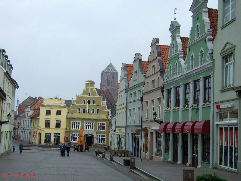 Wismar Germany  City new picture : HeinBloed's Cruise Guides: Wismar, Germany City Walk