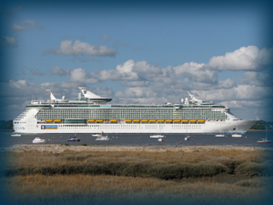 Independence of the Seas departing Southampton