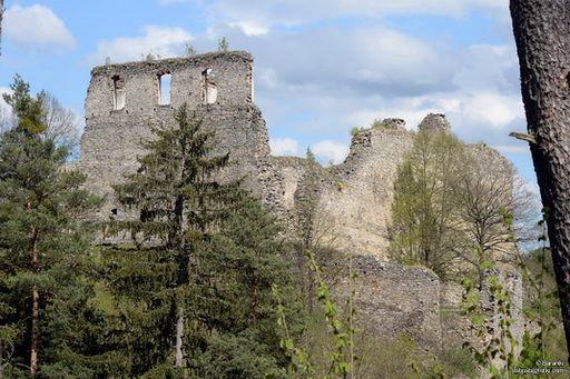 Ruiny Zamku Divci Kamen