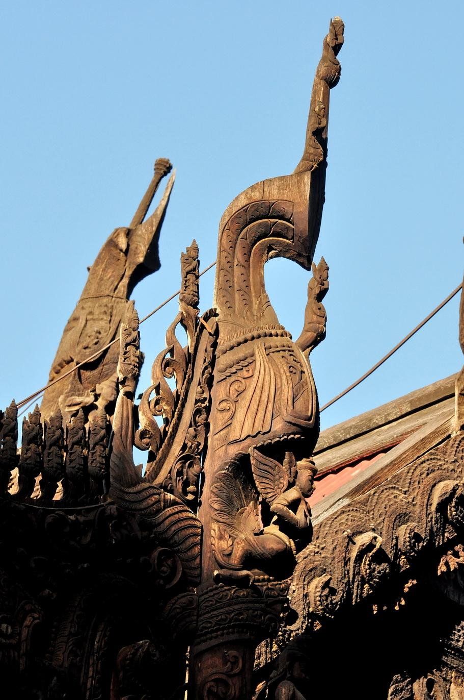 Shwe In Bin zwieńczenie narożnika dachu