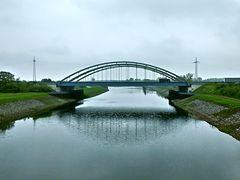 Brücke der Autobahn A2 über den Mittellandkanal