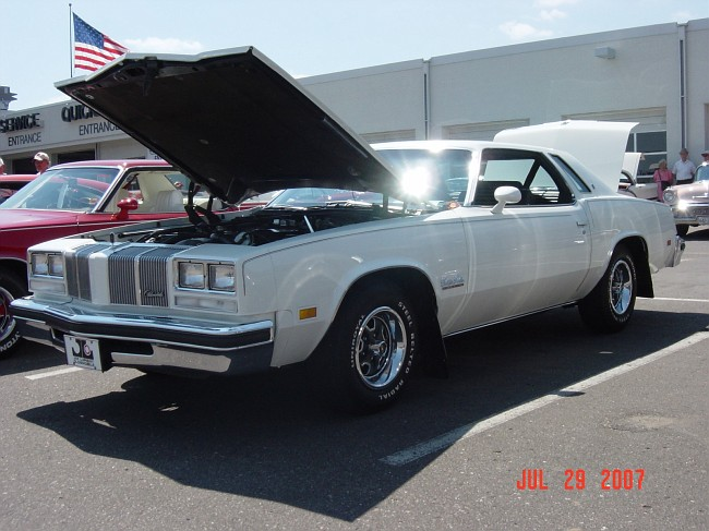 Photo 1976 olds cutlass salon lupients 15m 1976 77 for 1976 cutlass salon