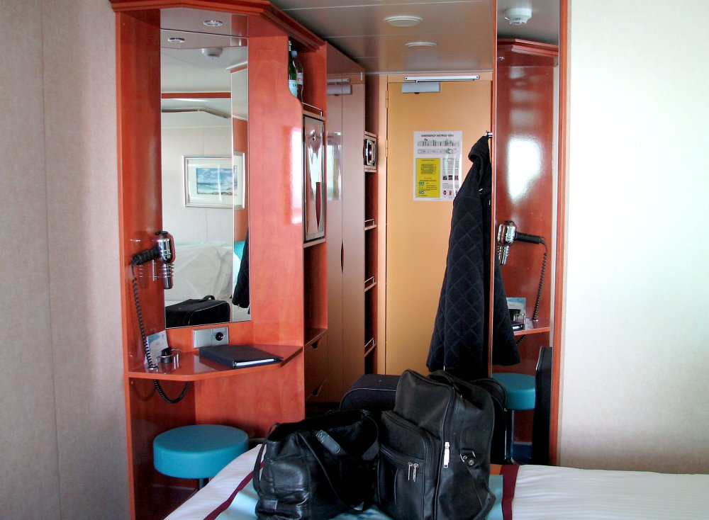 Norwegian Gem Cabin 9012