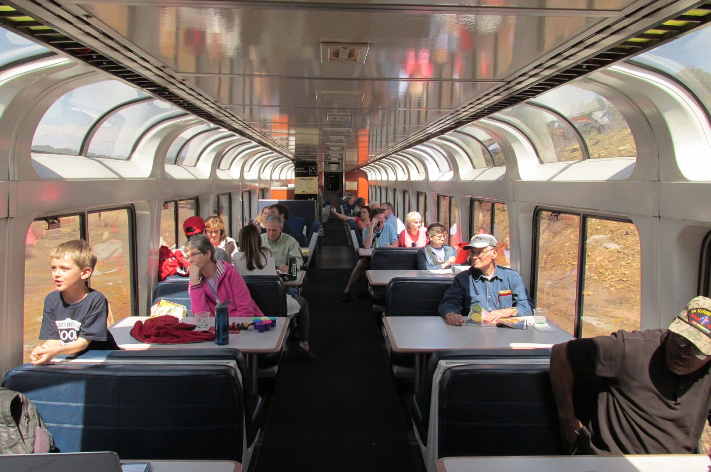 flyertalk forums view single post on the road again seeing amtrak s superliner sightseer lounge one half of the lounge car is booth and table seating