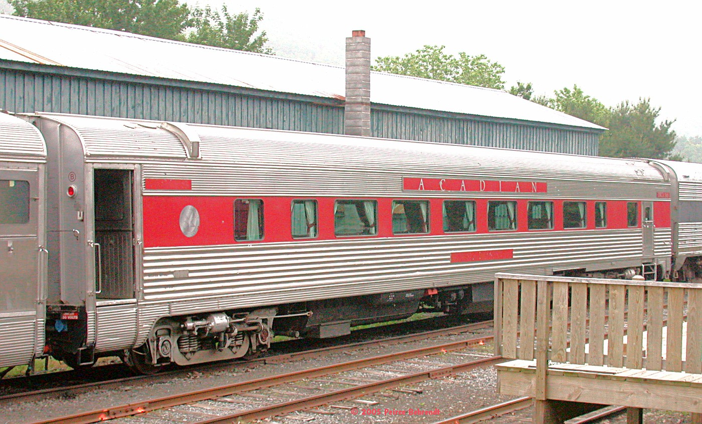 "Delaware & Ulster (Acadian) Budd tavern-lounge car ""Silver Queen"""