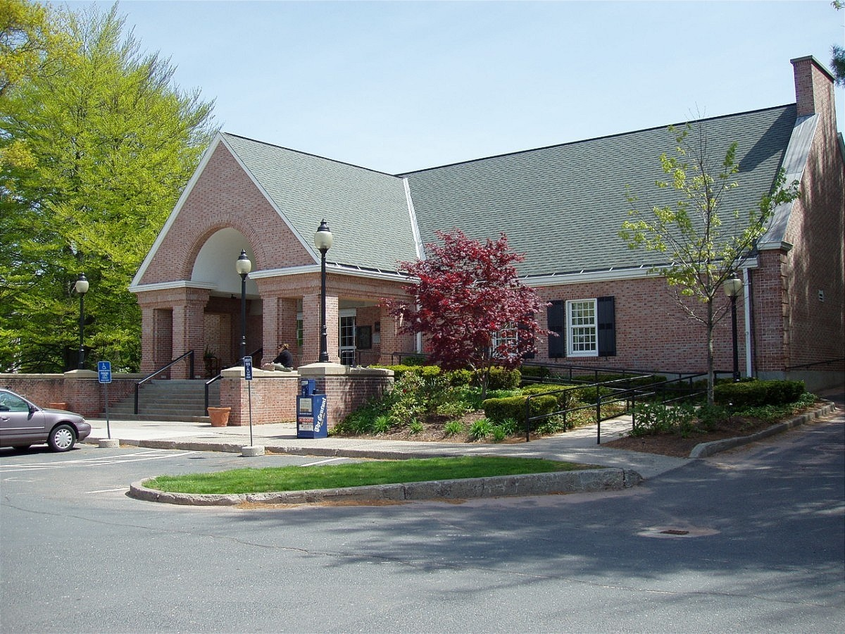 NEWINGTON - LUCY ROBBINS WELLES LIBRARY (*) W/HISTORY