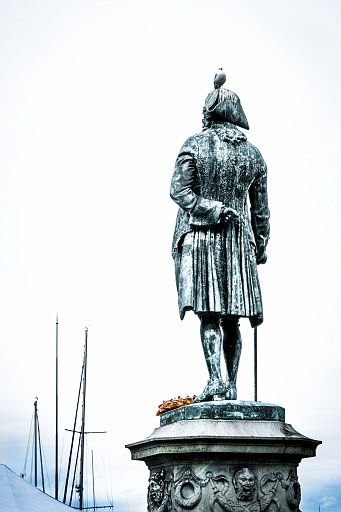 Statue of poet Ludvig Baron Holberg