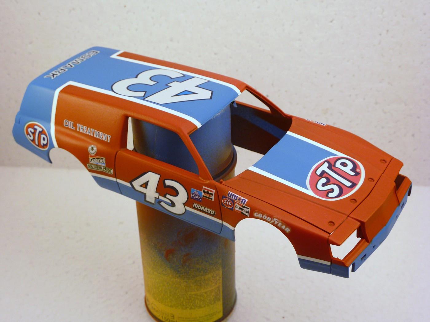 Buick Regal 1981 wagon nascar style Richard Petty terminée - Page 2 OrrectionPontiacwagonnascar003-vi