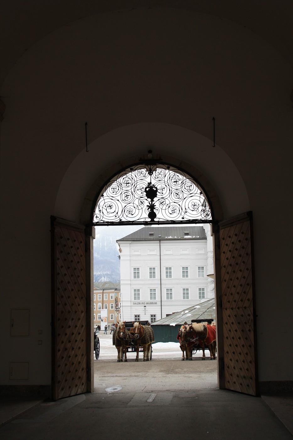 http://images20.fotki.com/v533/photos/2/243162/8488810/Salzburg34-vi.jpg
