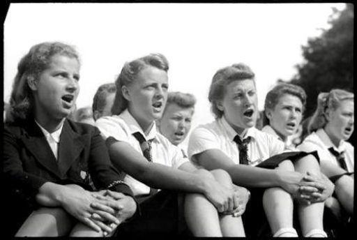 BDM girls singing