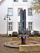 Brunnen Rathaus Schlangen
