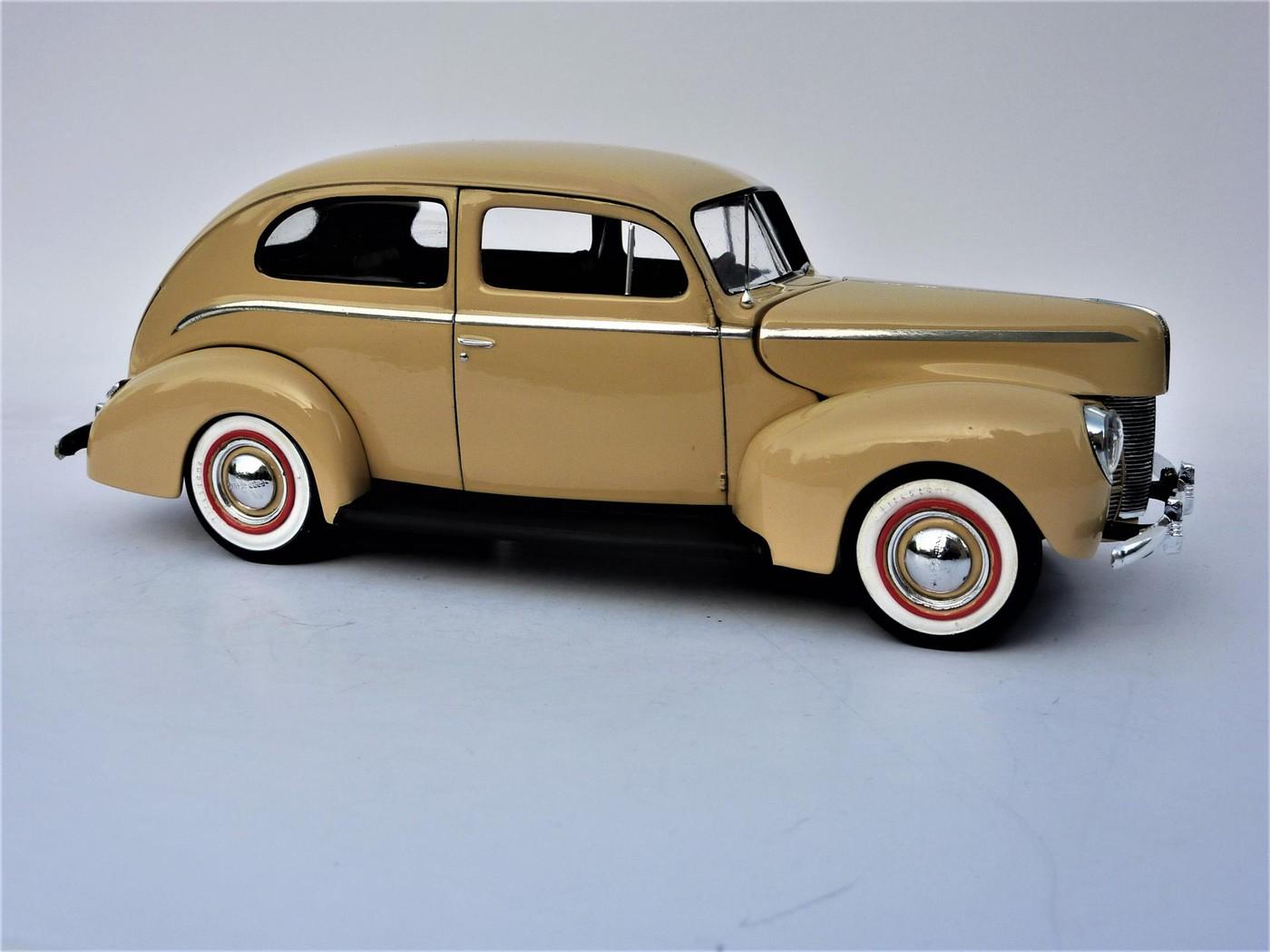 Ford Tudor Sedan 1940 restaurée  Photo73-vi