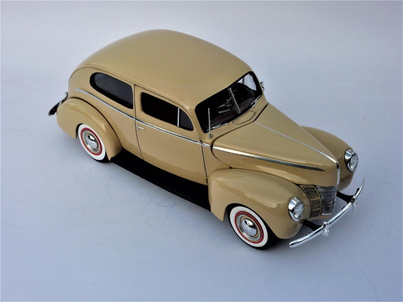 Ford Tudor Sedan 1940 restaurée  Photo79-vi