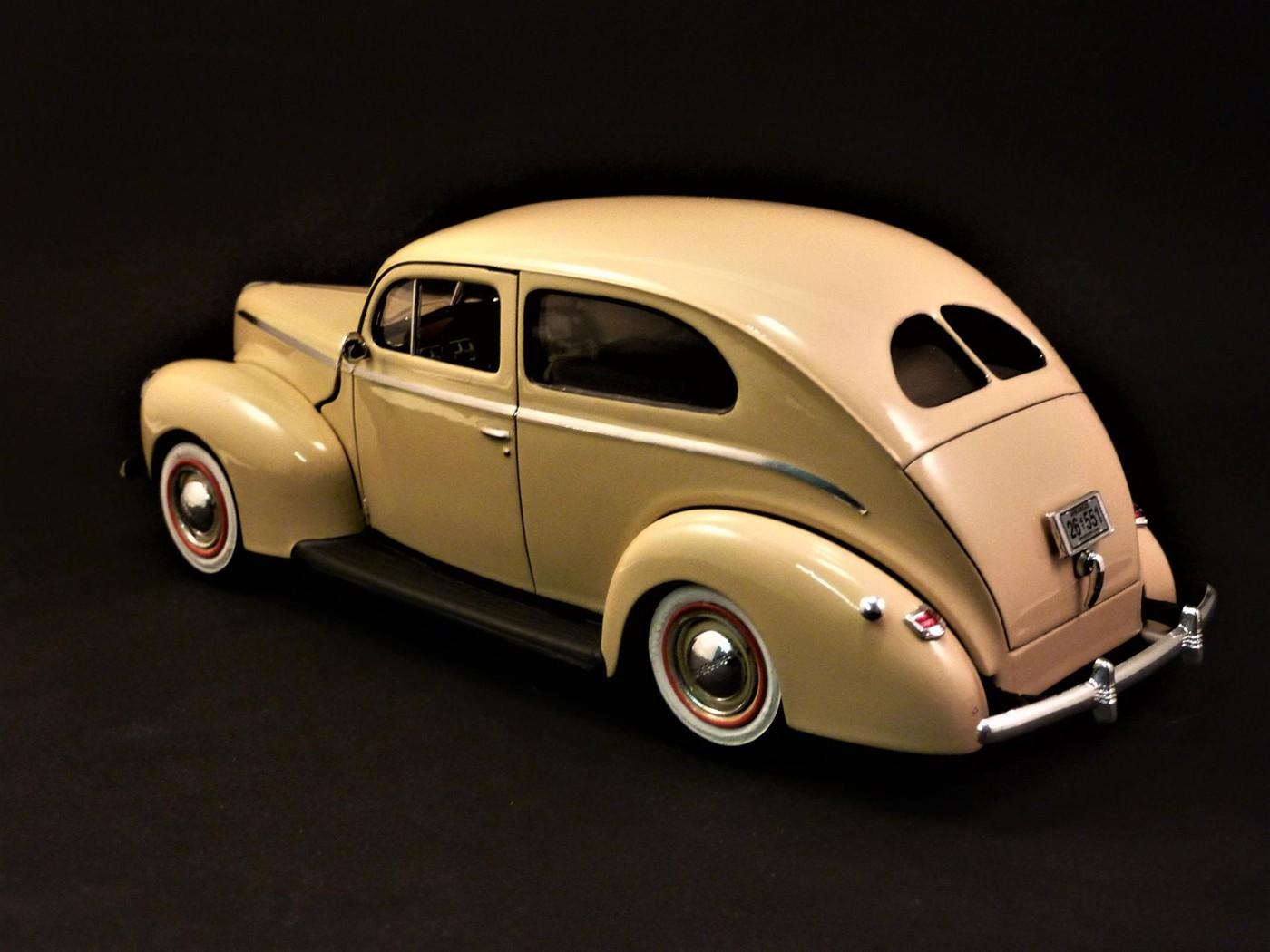 Ford Tudor Sedan 1940 restaurée  Photo83-vi