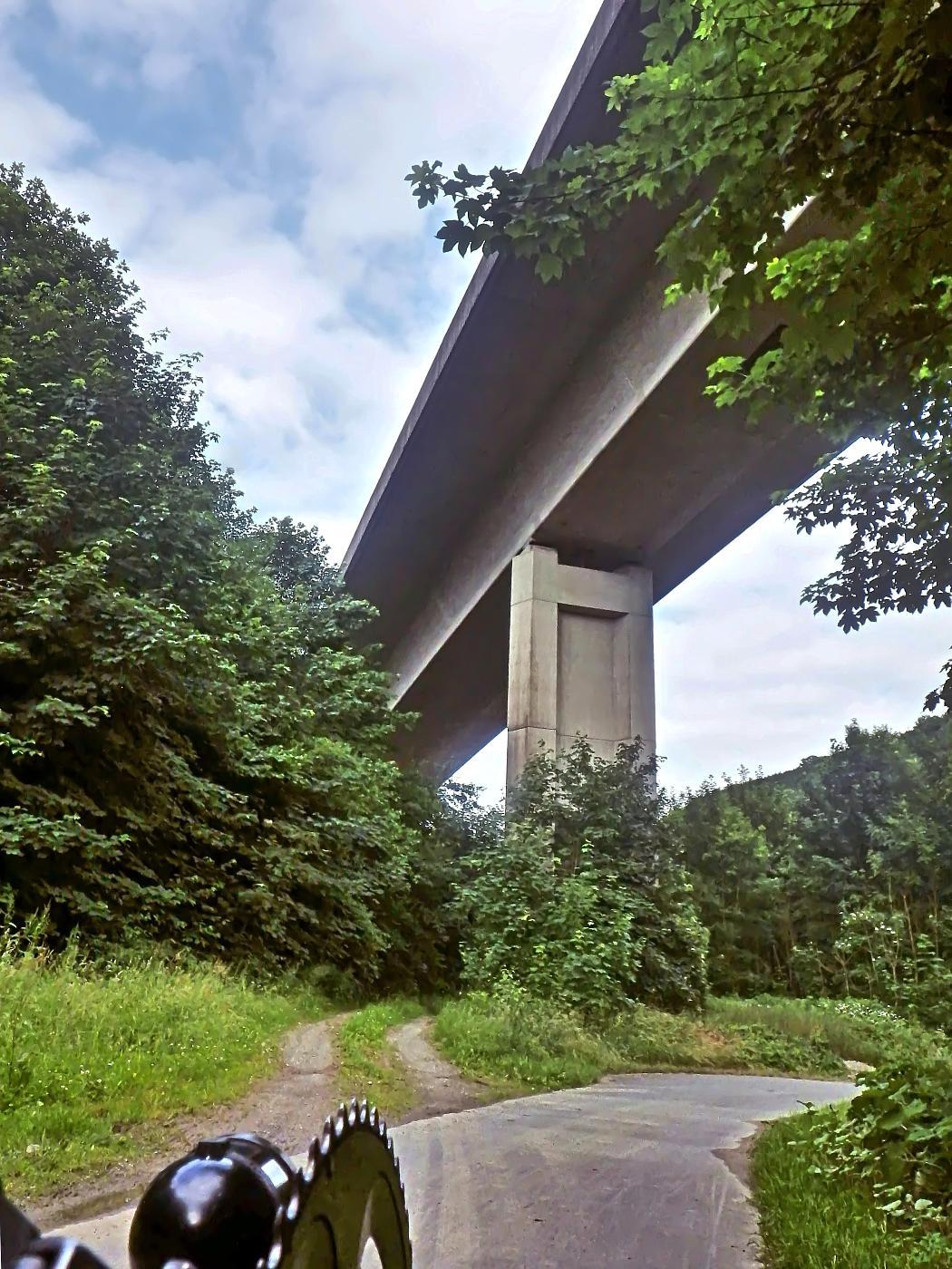 B1-Talbrücke