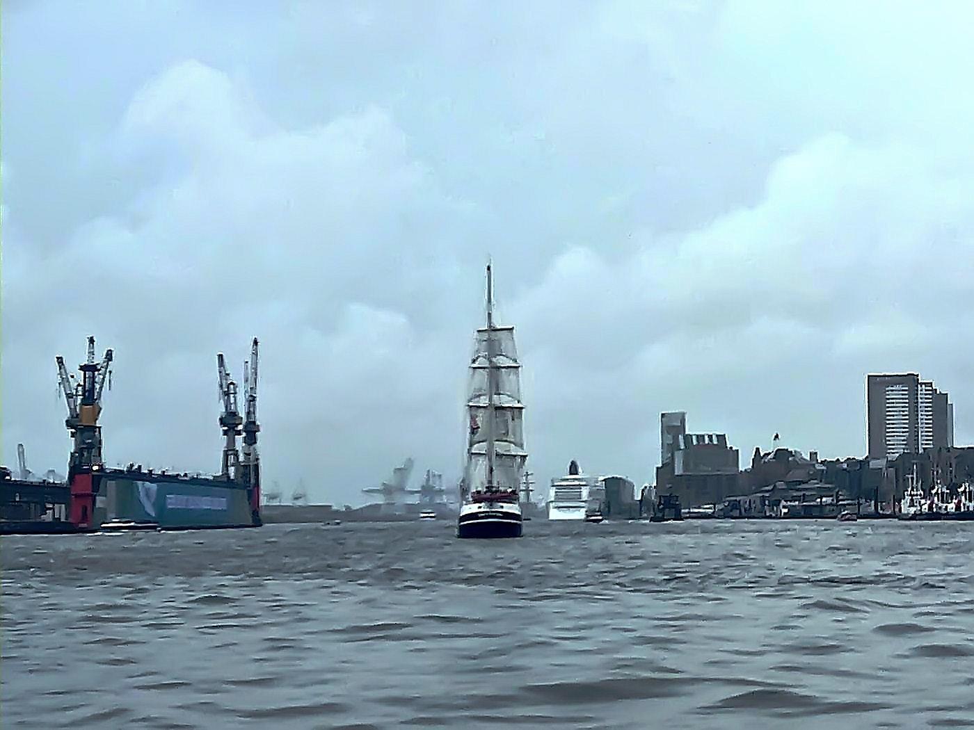 Segelschiff auf Norderelbe