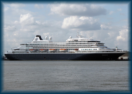 Prinsendam at Tilbury