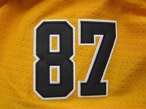 A-Penguins87-Yellow07